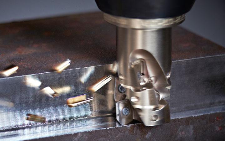 Chặt chấn sắt thép tại huế