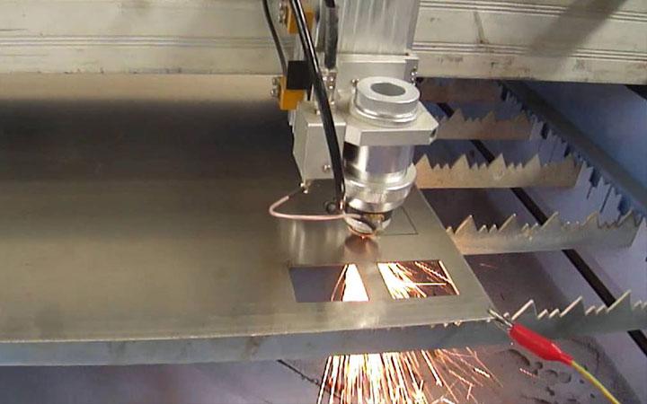 gia công sắt thép chính xác hiện đại
