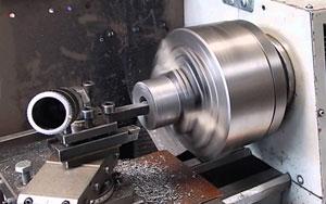 Cơ sở vật chất, máy móc là yếu tố quan trọng khi chọn đơn vị gia công cơ khí